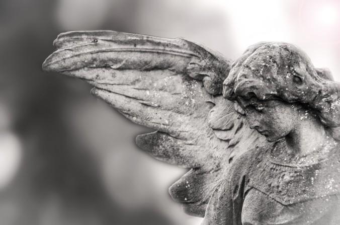 statues-of-angels