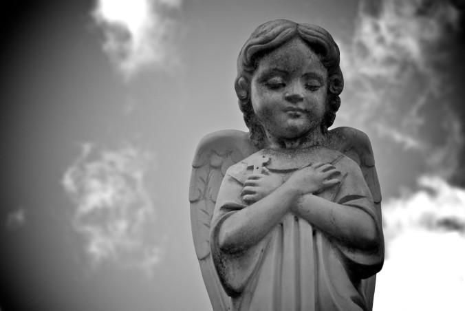 child-angel-statue